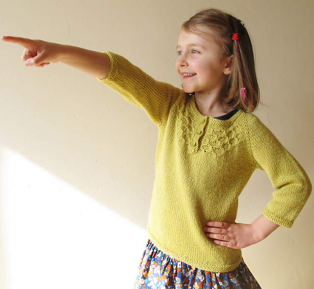 http://www.ravelry.com/patterns/library/honey-bee-5